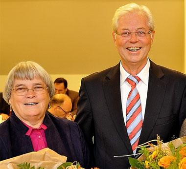 Maria Peiffer, 1. stv. Bürgermeisterin und Albert Glöckner, erfolgreichster Bürgermeister von Rommerskirchen - Foto: M.Reuter