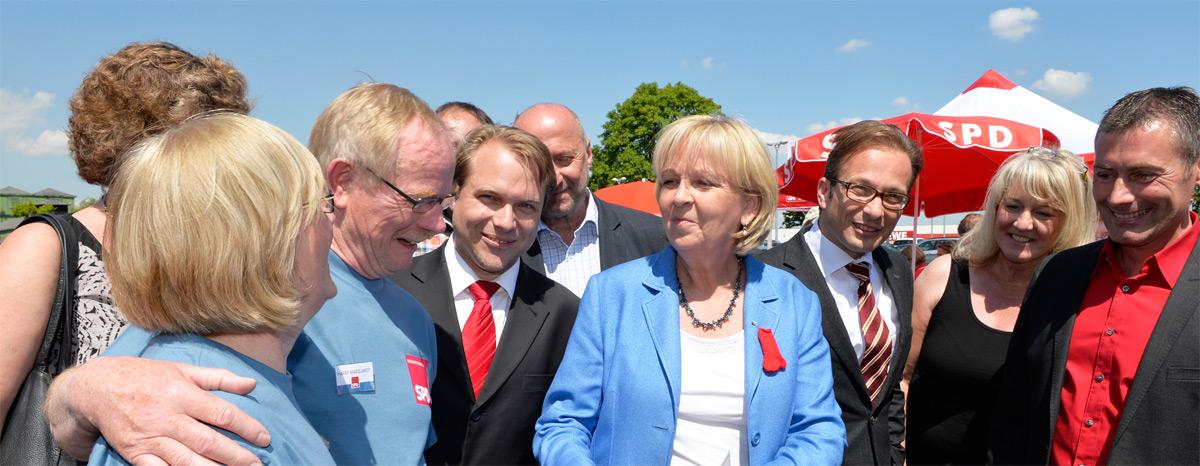 Martin Mertens und Hannelore Kraft (Mitte) am CaP in Rommerskirchen.